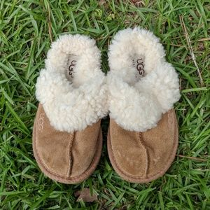 Kid's UGG slippers